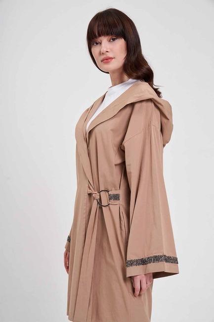 Mizalle - Kapüşonlu Süs Taşlı Tunik Boy Ceket (Camel)