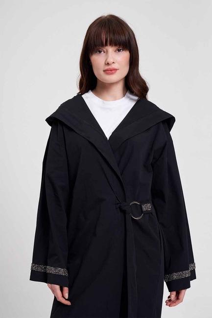 Mizalle - Kapüşonlu Süs Taşlı Tunik Boy Ceket (Siyah)