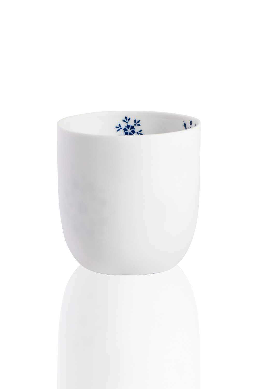 MIZALLE Ceramic Candle Holder With Snowflake Motives (1)