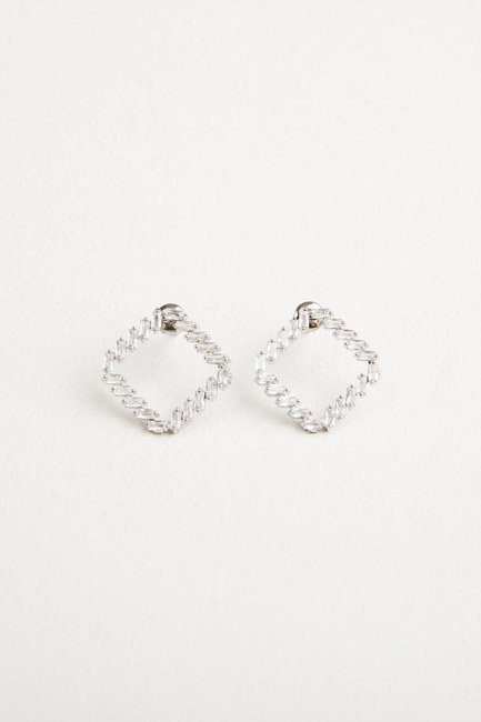MIZALLE - Square Earrings (1)
