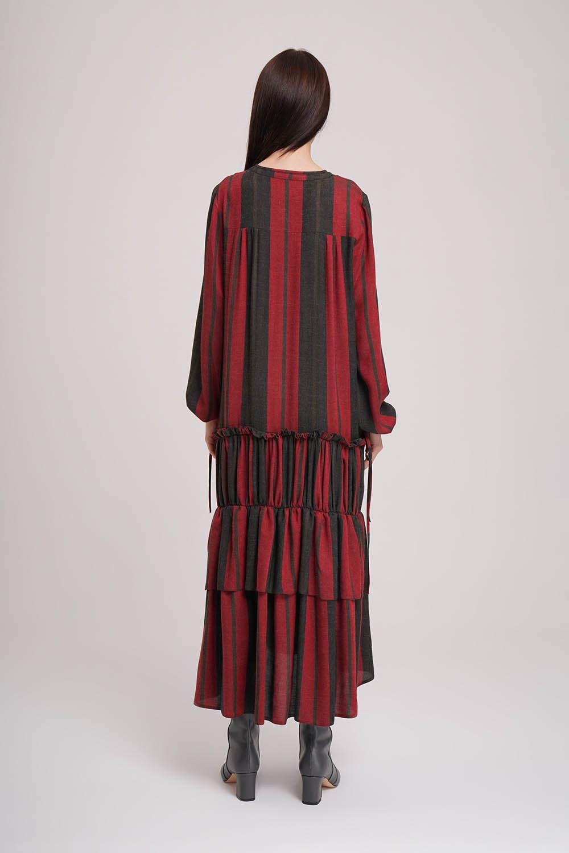 Kat Detaylı Çizgili Siyah-Kırmızı Elbise