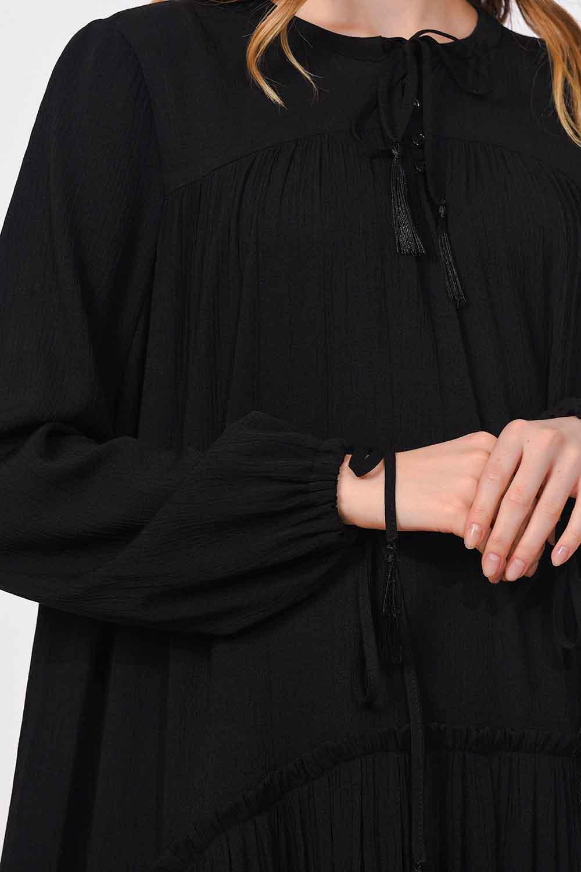 MIZALLE فستان طويل مع تفاصيل مطوية (أسود) (1)