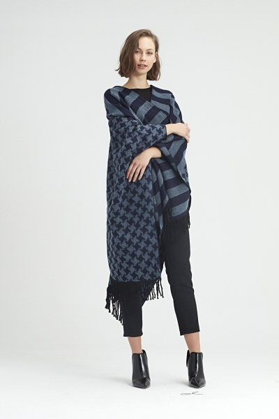 MIZALLE - Goosefoot Patterned Poncho (Navy) (1)