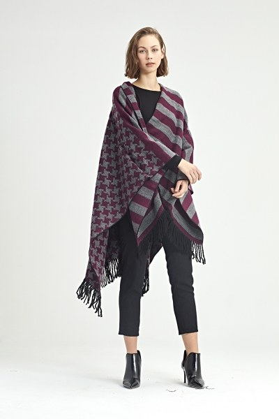 Goosefoot Patterned Poncho (Pink) - Thumbnail