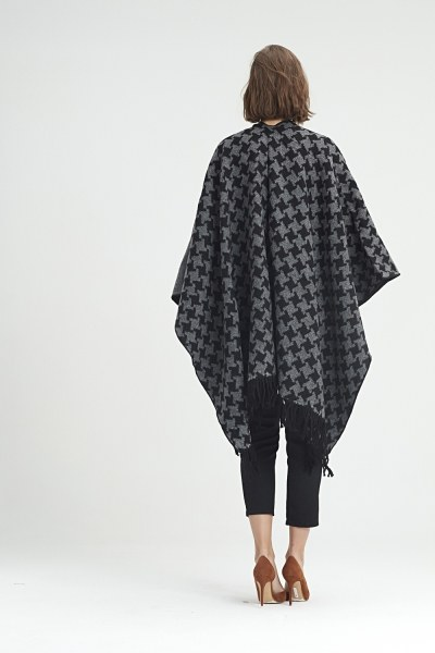 Goosefoot Patterned Poncho (Black) - Thumbnail