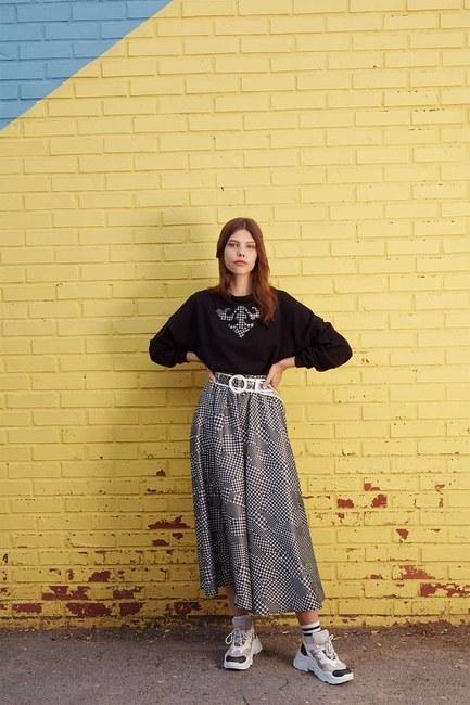 Kazayağı Aplikeli Sweatshirt (Siyah) - Thumbnail