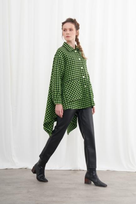 Mizalle - Kazayağı Desenli Asimetrik Kesim Yeşil Ceket