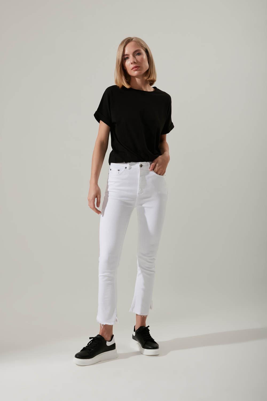 Kesik Paçalı Beyaz Pantolon