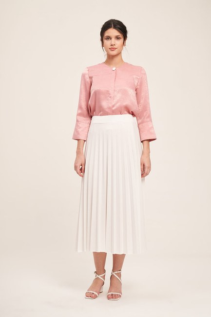 MIZALLE - Knitted Crepe Pleated Skirt (Cream) (1)