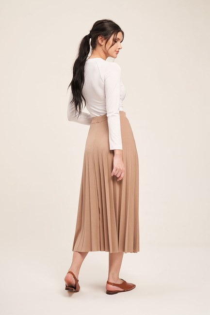 MIZALLE - Knitted Crepe Pleated Skirt (Ecru) (1)