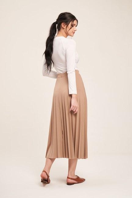 MIZALLE - Knitted Crepe Pleated Skirt (Ecru) (1)