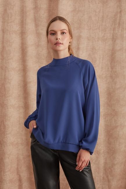 Mizalle - Kolları Büzgülü Dik Yaka İndigo Bluz