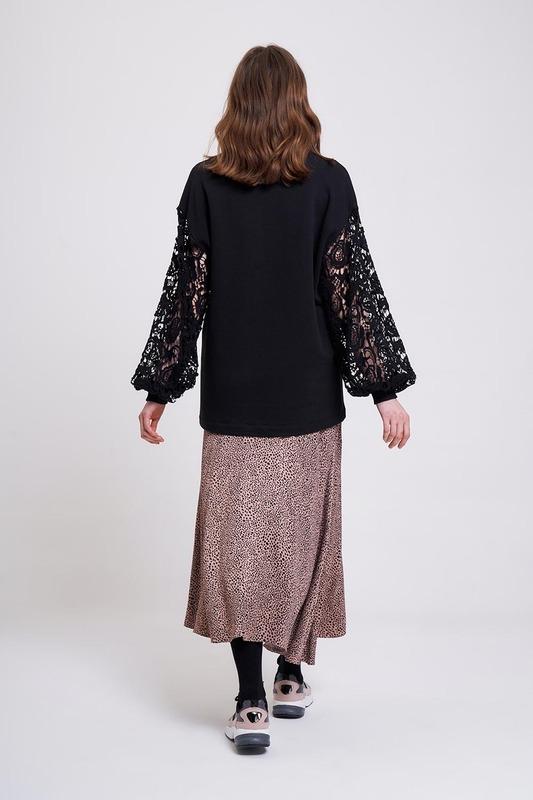 Kolları Güpür Sweatshirt (Renk Paletli)