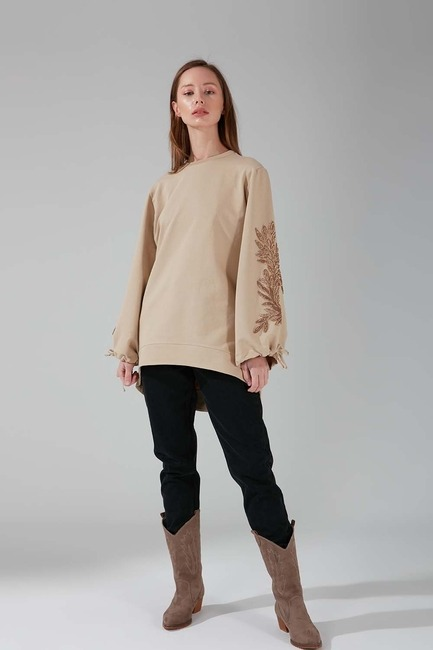 Kolları İşlemeli Bej Sweatshirt