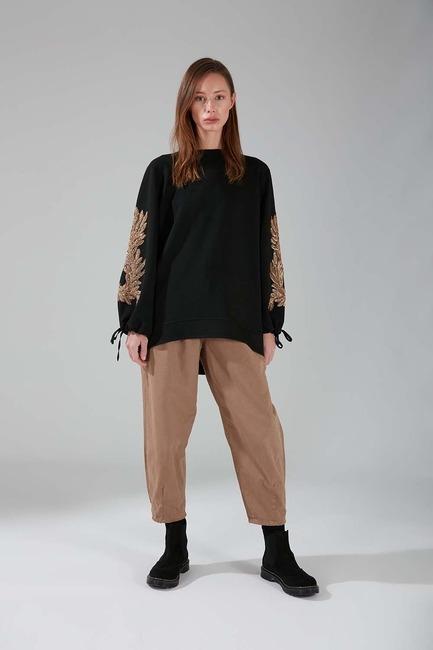 Mizalle - Kolları İşlemeli Sweatshirt (Siyah)