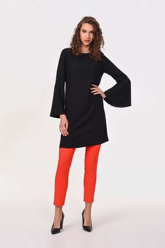 Kolları Piliseli Bluz (Siyah)