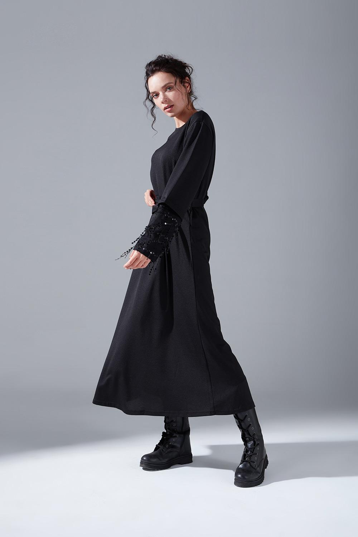 Kolları Pullu Siyah Elbise