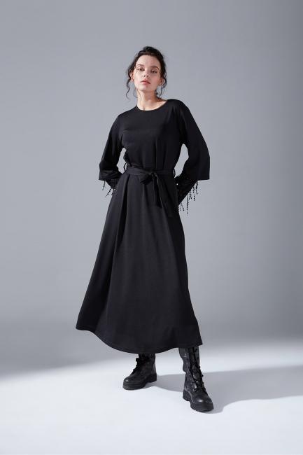 Mizalle - Kolları Pullu Siyah Elbise