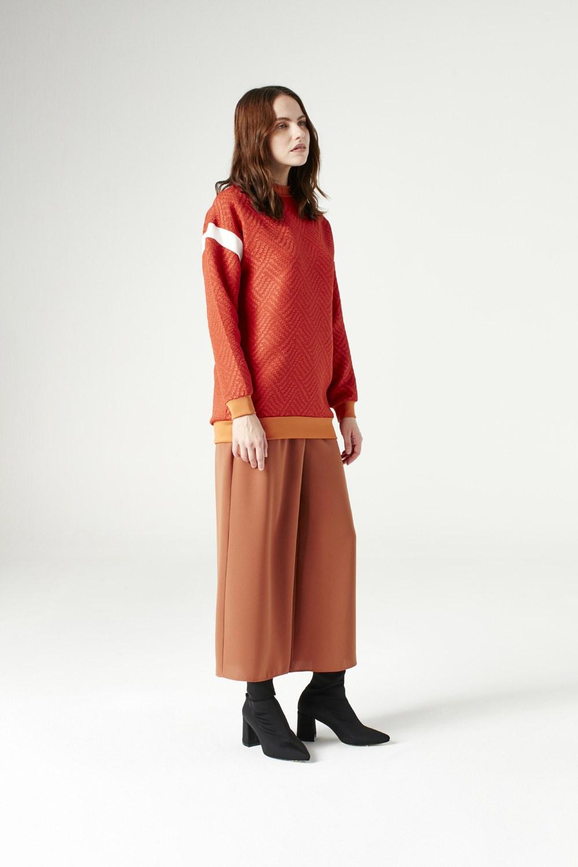 MIZALLE Kolları Şerit Detaylı Sweatshirt (Turuncu) (1)