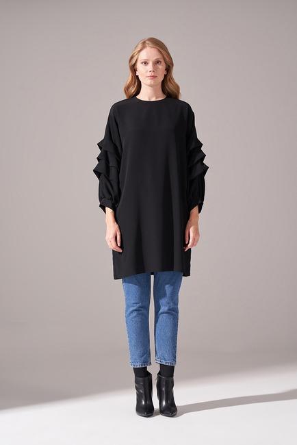 Mizalle - Kolları Süs Katlı Siyah Tunik