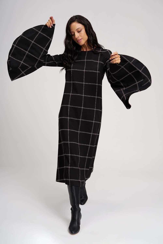 MIZALLE Kolları Volanlı Ekose Elbise (Siyah) (1)