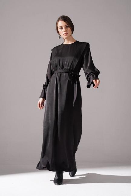Mizalle - Kolları Volanlı Parlak Elbise (Siyah)