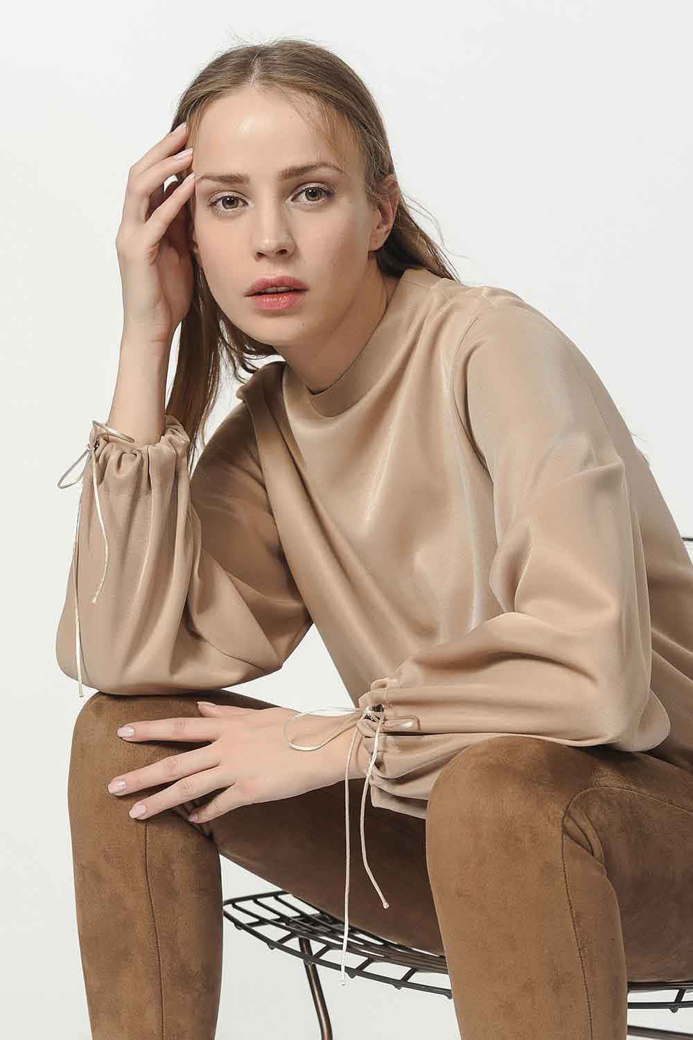 MIZALLE Sweatshirt With Lacing Detailed Sleeves (Gold) (1)