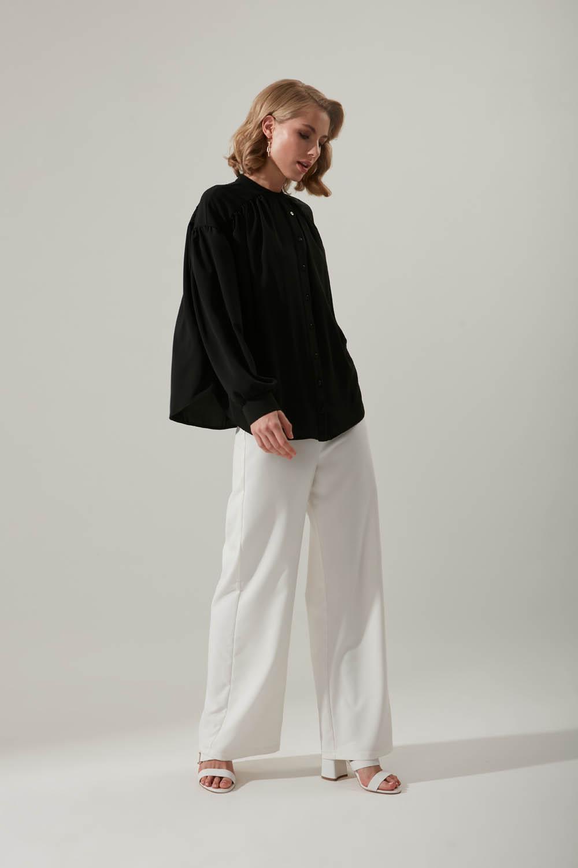 Kolu Büzgülü Siyah Gömlek