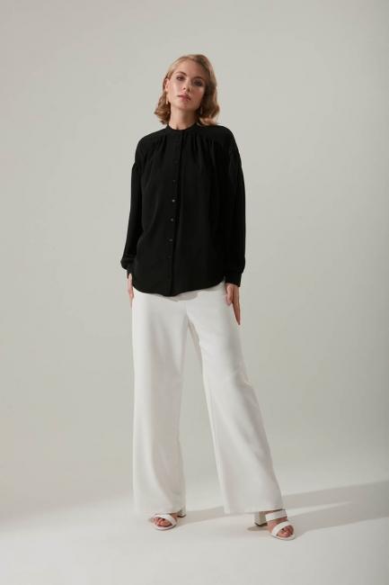 Mizalle - Kolu Büzgülü Siyah Gömlek