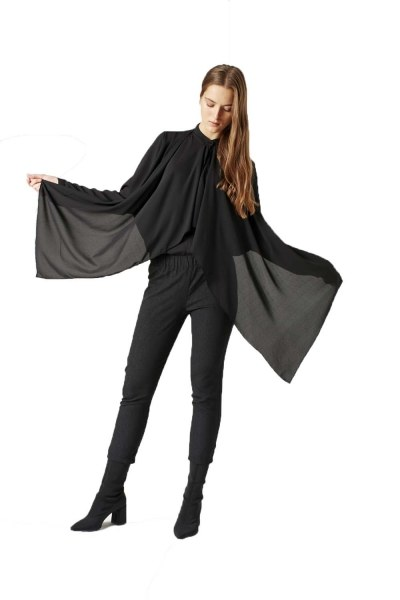 Crimp Flounce Blouse (Black) - Thumbnail