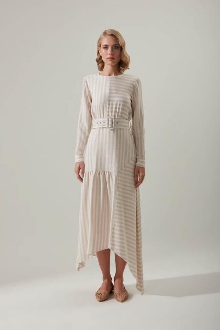 Mizalle - Kumaş Kemerli Çizgili Gri Elbise