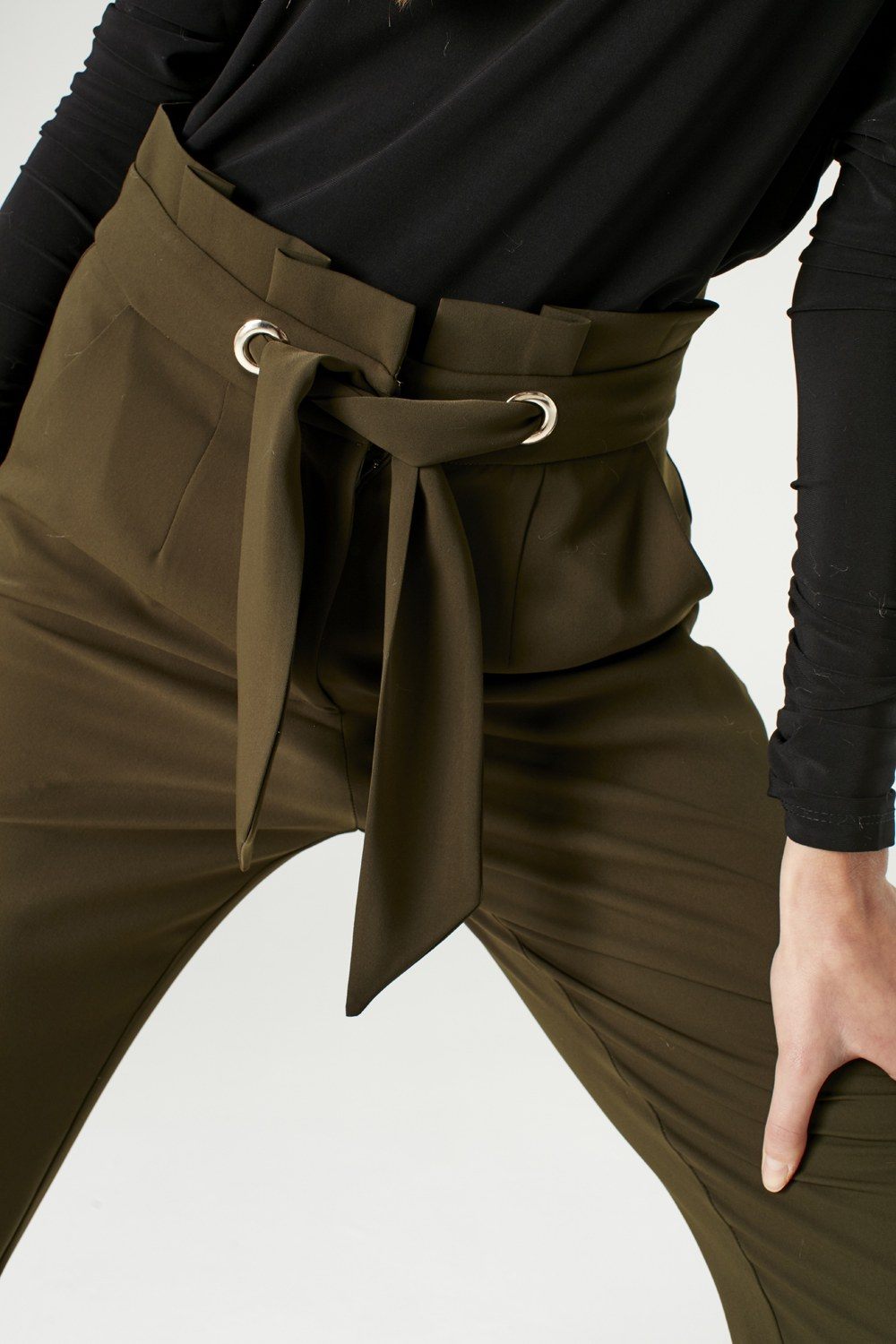 MIZALLE Bird-Eye Detailed Trousers (Khaki) (1)