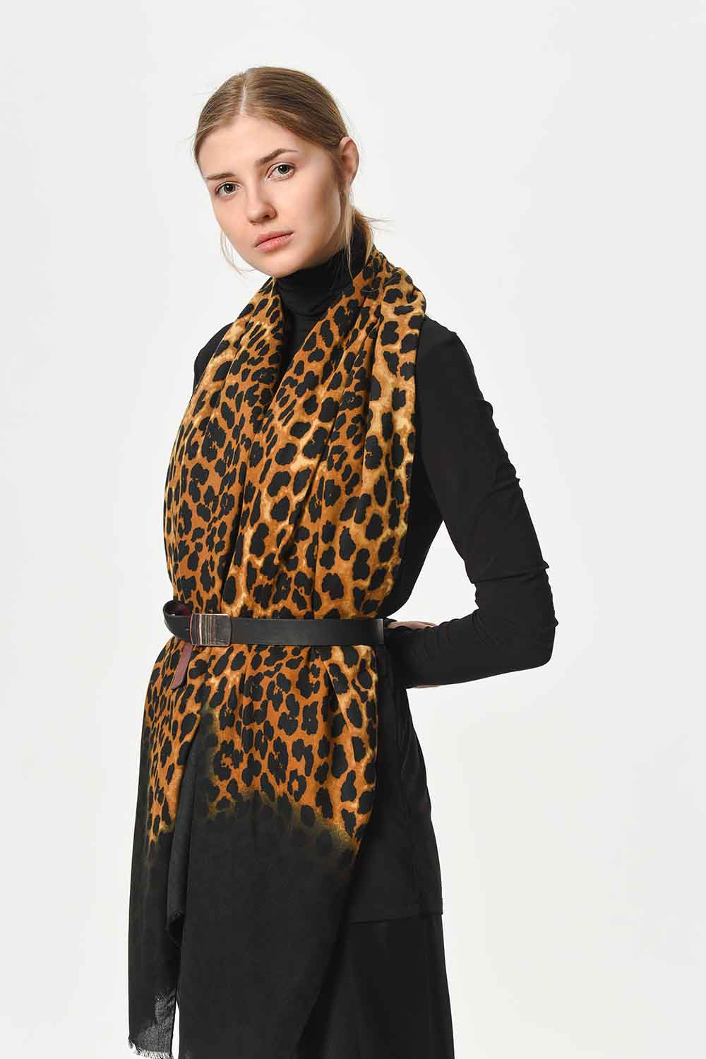 MIZALLE Leopard Patterned Thin Luxury Shawl (Black) (1)