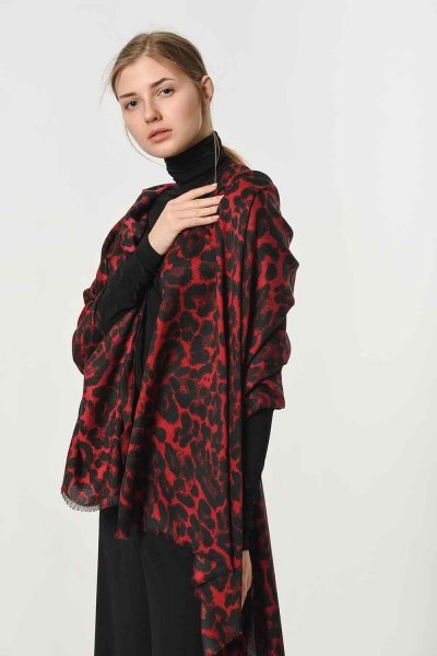 MIZALLE - Leopard Patterned Shawl (Claret Red) (1)