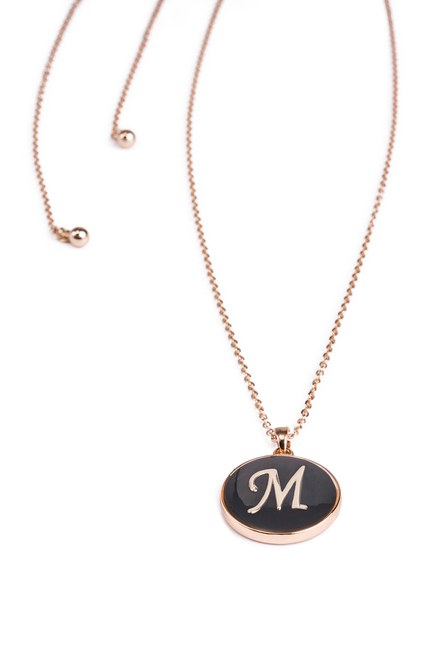 MIZALLE - Letter Necklace (Letter M) (1)