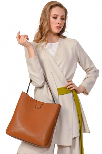 MIZALLE حقيبة يد كلاسيكية فاخرة (عَسَلِيّ)