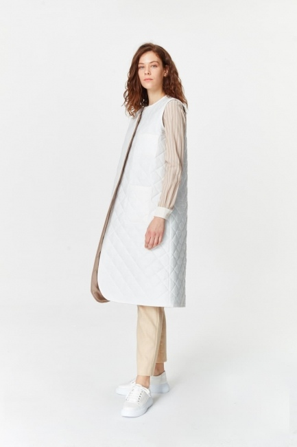 Mizalle - Luxury Quilted Long Vest (White) (1)