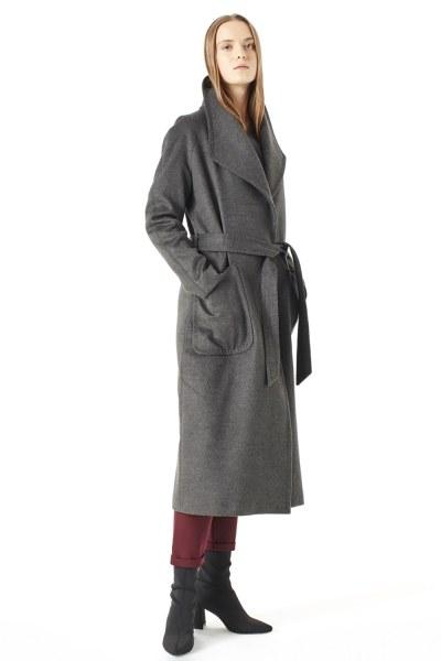 MIZALLE معطف بياقة واسعة (لون أسود فحمي)