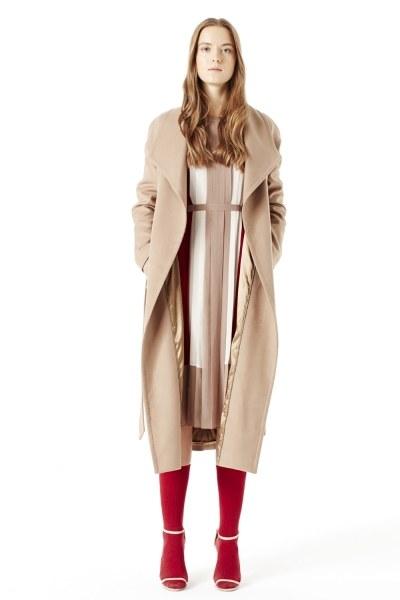MIZALLE معطف بياقة واسعة (لون جملي)