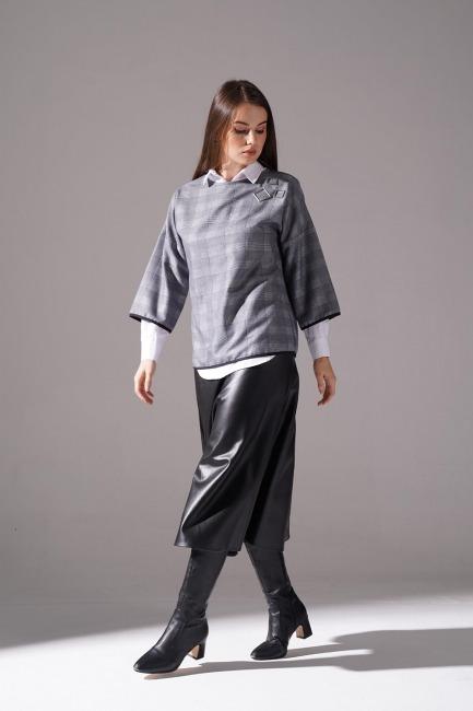Mizalle - Metal Aksesuarlı Ekose Bluz (Lacivert)