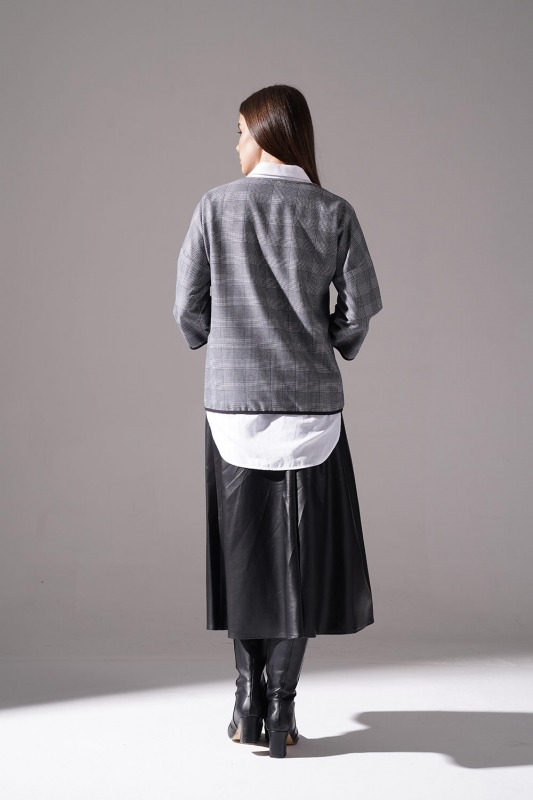 Metal Aksesuarlı Ekose Bluz (Lacivert)