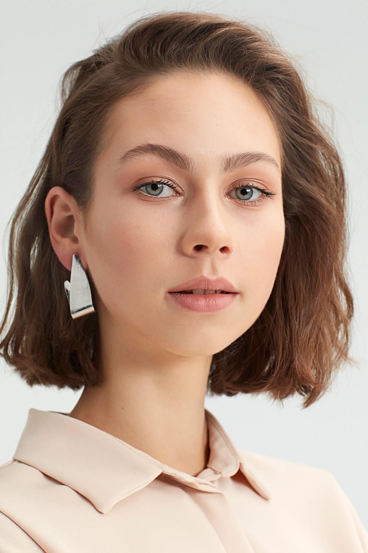 MIZALLE Metal Twisted Earrings (Rose) (1)