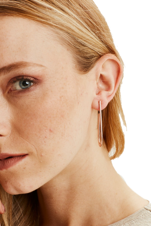MIZALLE Metal Minimal Earrings (Rose) (1)