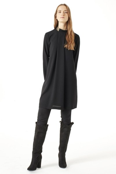MIZALLE Tunic With Metalık Detailed Collar (Black)
