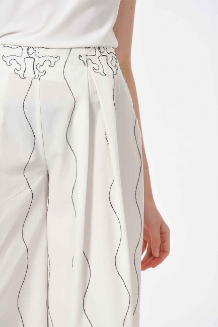 Embroidery Design Trousers (White) - Thumbnail