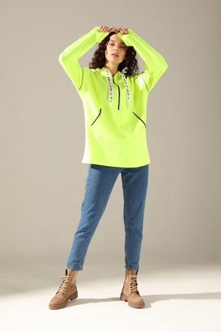 Mizalle - Neon Karyoka Sweatshirt (Yeşil)
