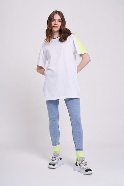 Mizalle - Neon Parçalı T-Shirt (Beyaz)