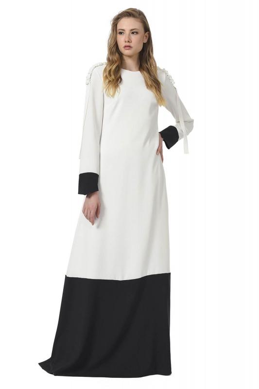Omuzu Büzgülü Tasarım Maxi Elbise (Siyah/Beyaz)