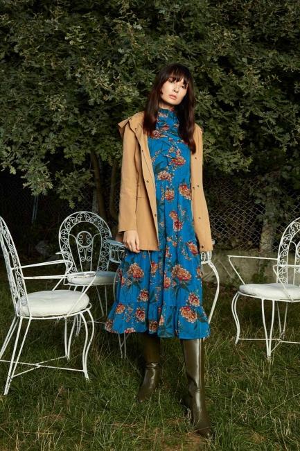 Önü Fırfırlı Çiçekli Mavi Elbise - Thumbnail
