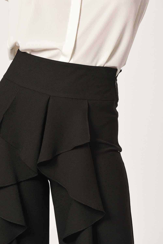 MIZALLE Önü Fırfırlı Pantolon (Siyah) (1)